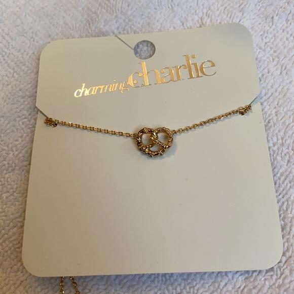NWT Charming Charlie pretzel necklace